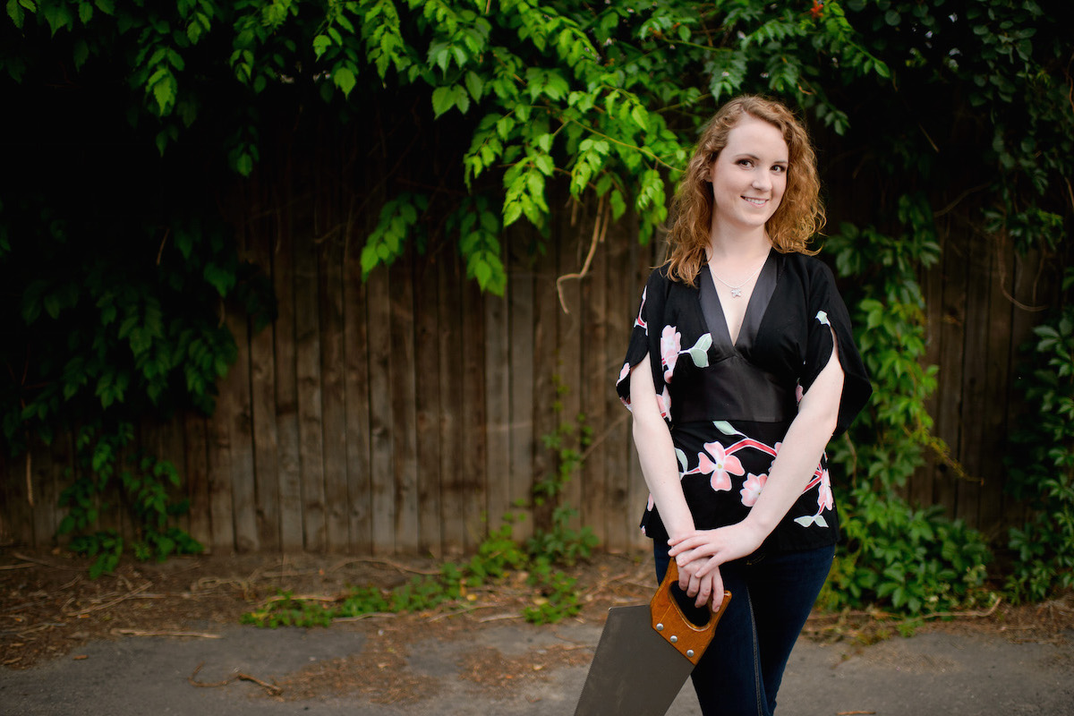 SawPlayer: Caroline McCaskey plays musical saw!