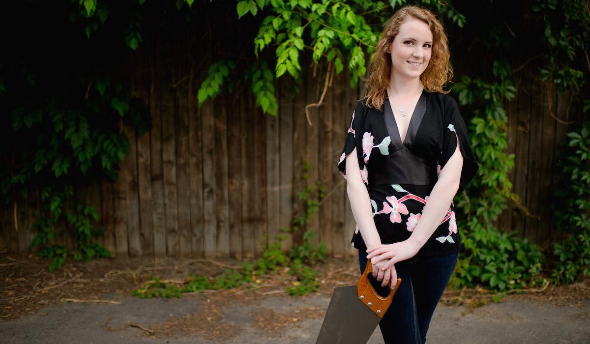 SawPlayer: Caroline McCaskey plays musical saw!